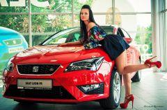 В Донецке SEAT Leon презентовали в формате конкурса красоты
