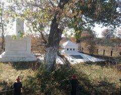 Вблизи Ясиноватой реконструируют монумент советским солдатам, расстрелянным в годы Великой Отечественной войны