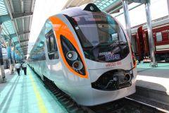 В ДНР начали курсировать 4 новых пригородных поезда