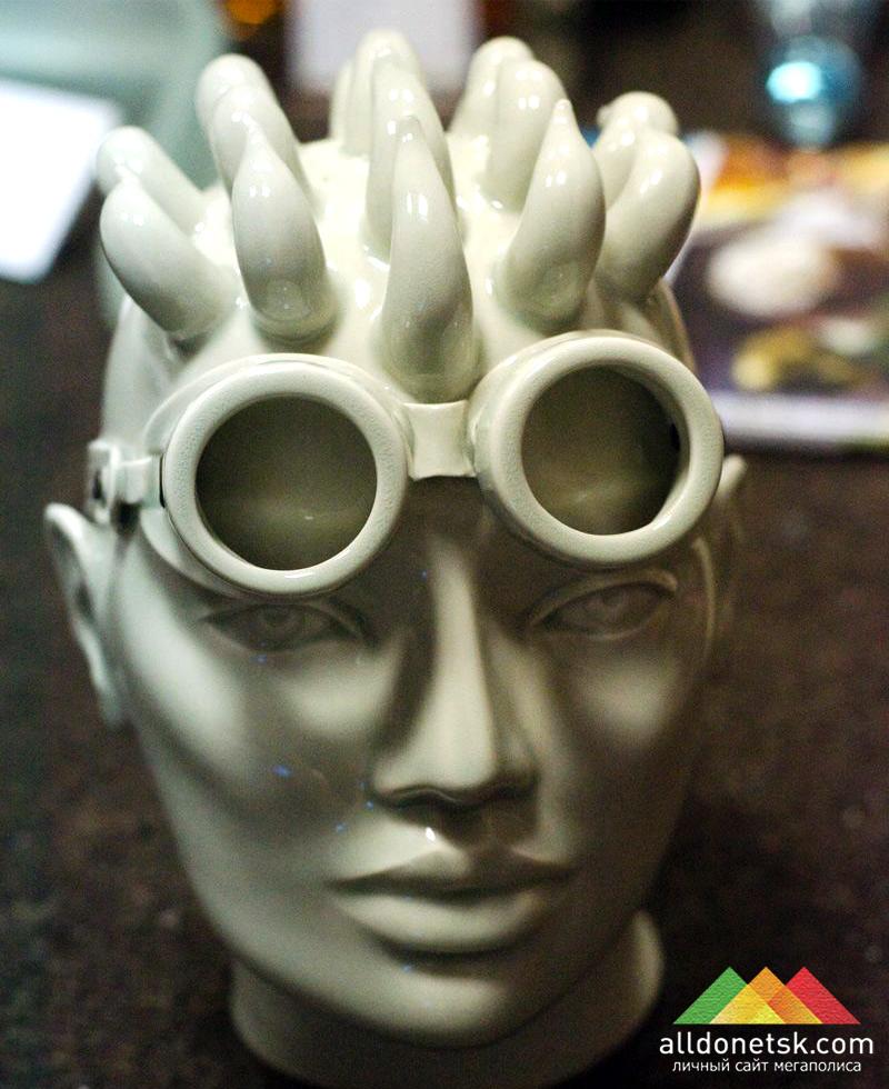 Студия керамического дизайна в лице Сергея Фалина и Юлии Прахиной показали свое видение масок
