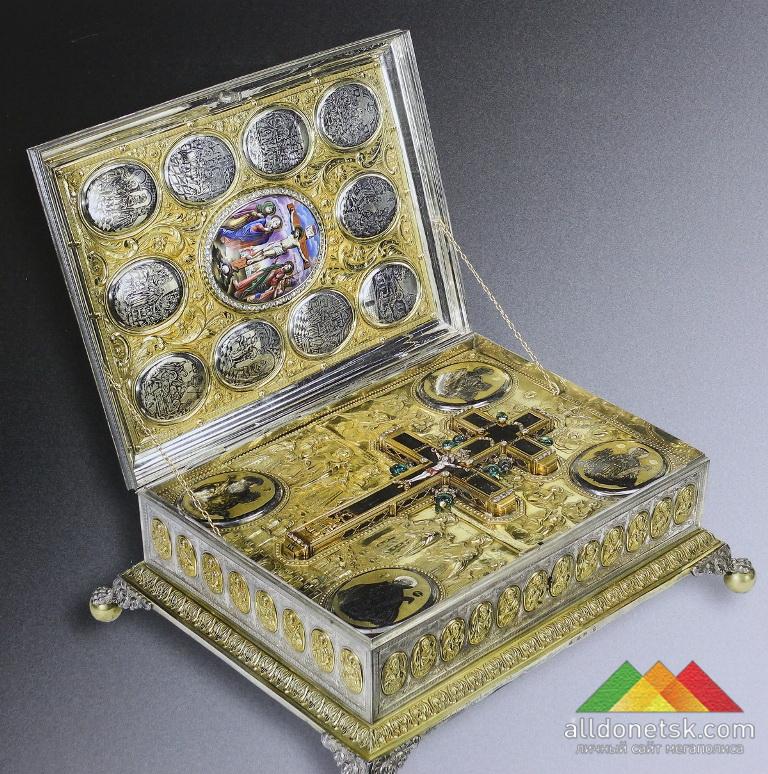 Ковчег с Животворящим крестом. Ксиропотамский монастырь