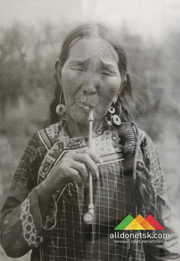 Женщина рода Кимонко. Дальний Восток, Хабаровский округ. Удэгейцы. Е. Шнейдер.1928 РЭМ 4907-25