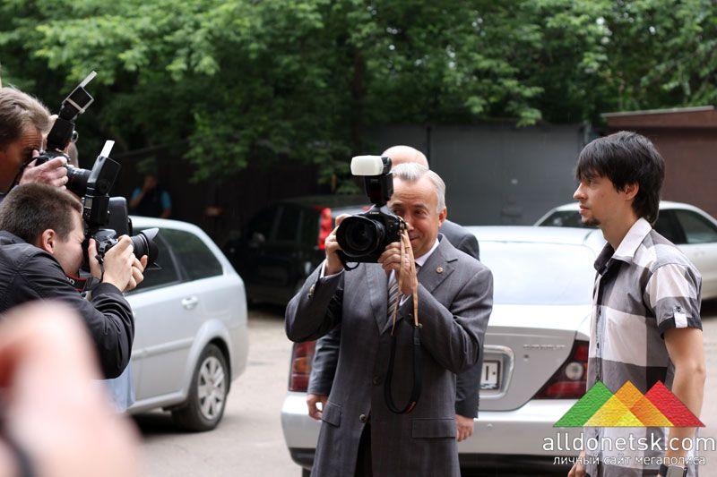 Мэр Донецка не удержался, чтобы лично не попробовать себя в роли фотографа.