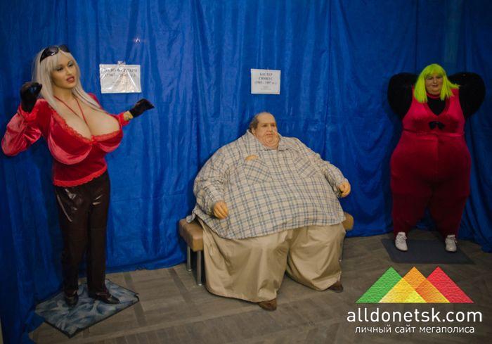 Самая большая грудь и самый большой вес поражают размерами