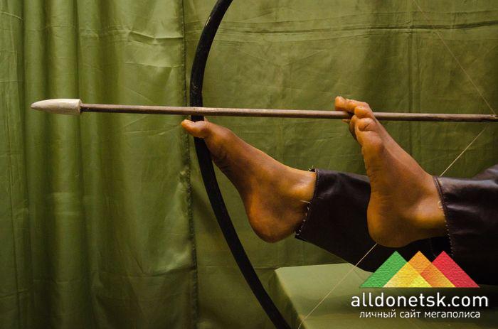 Индеец Навара, родившийся без рук, зато метко стрелявший ногами, до сих пор никто не повторил его умений