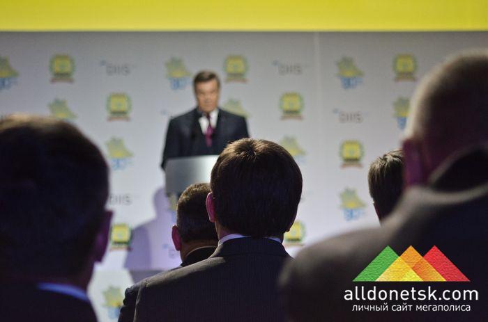 Виктор Янукович выразил уверенность в том, что саммит поможет в развитии инвестиционного потенциала Украины