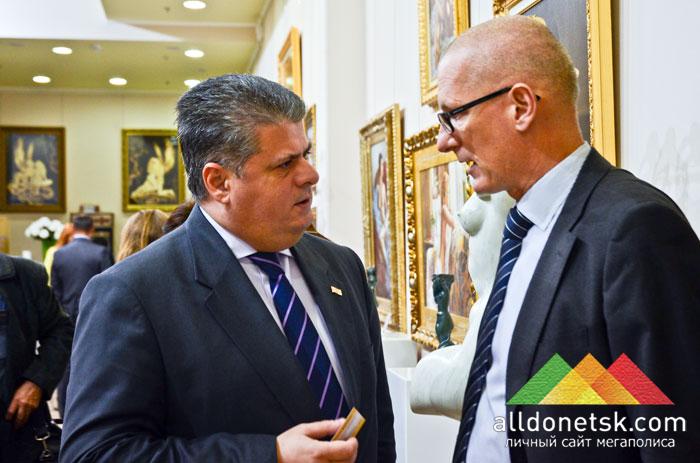 Генеральный консул Грузии Зураб Квачадзе и генеральный консул Германии Клаус Цилликенс