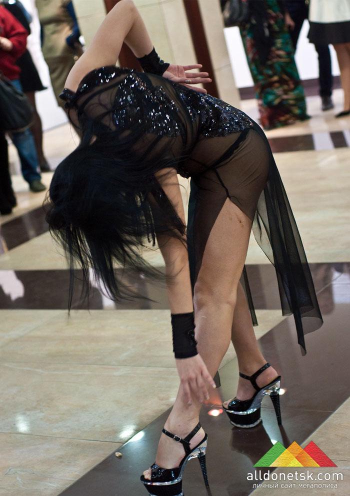 Соблазнительный танец от вип-клуба