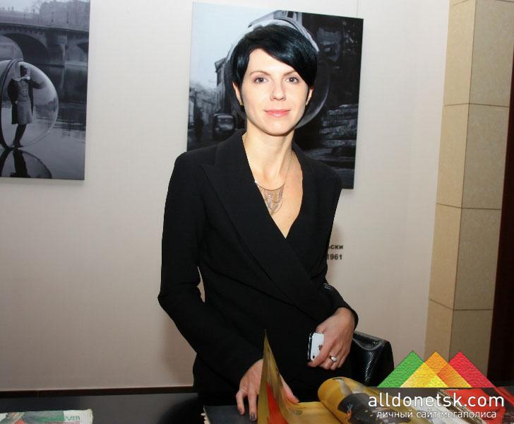 Куратором проекта является Марина Щербенко, директор киевской галереи Bottega