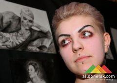 В Донецке показали темное искусство на выставке