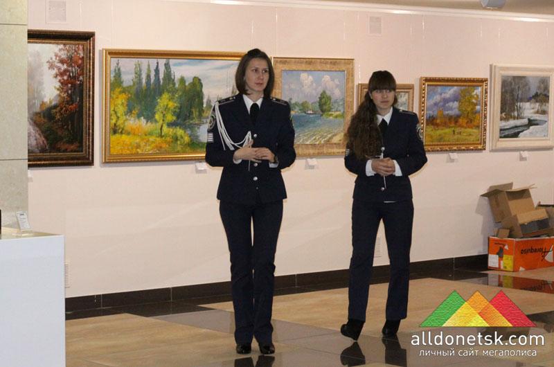 Галина Анжурова и Мария Покотило – единственные студентки 4-го курса Донецкого юридического института МВД Украины, получившие стипендии в этом году