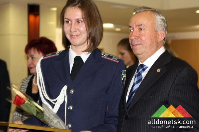 В свою очередь, мэру Донецка Александру Алексеевичу тоже было приятно пообщаться с лучшими представителями донецкой молодежи