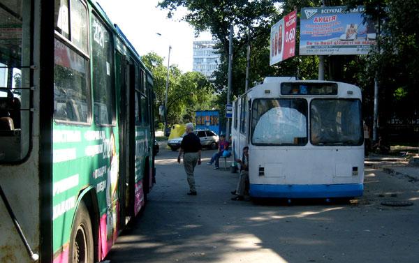 Этим троллейбусам уже больше никогда повезет подняться выше набережной