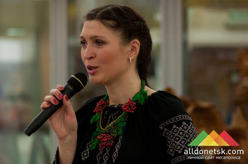 Екатерина Калиниченко рассказывает о композиторе Мирославе Скорике и передает от него теплые пожелания дончанам