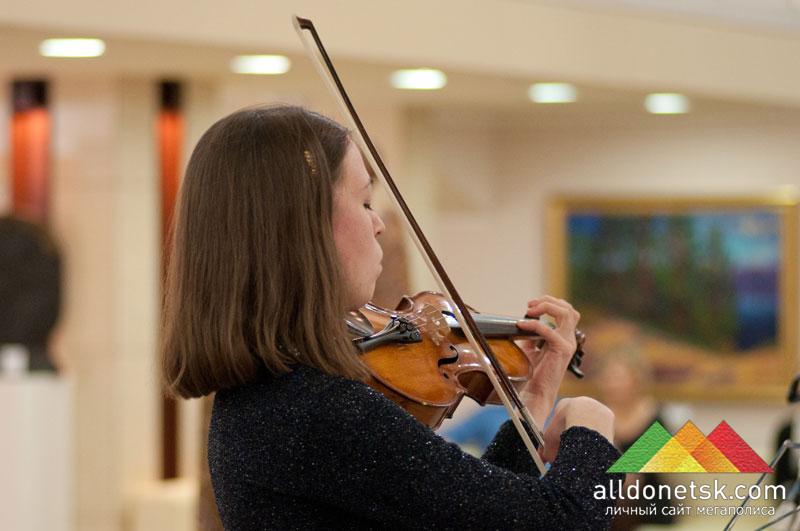 Анна Золина, лауреат Всеукраинских конкурсов (скрипка)