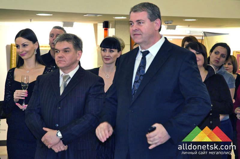 Директор ХВЦ АртДонбасс Владимир Телегин и директор салона живописи