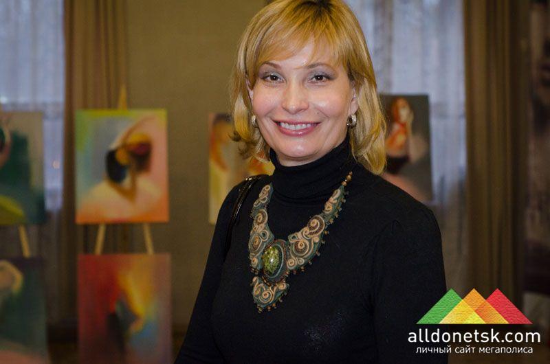 Организатор выставки в Донецке Татьяна приглашает всех желающих насладиться балетом не только на сцене