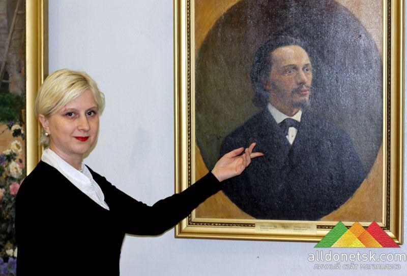 Ведущий научный сотрудник ДОХМ Подгорная Лилия Сергеевна сказала, что три картины донецкий музей получил в дар от Киевского Национального художественного музея, а одну работу выкупили у мариупольского коллекционера.