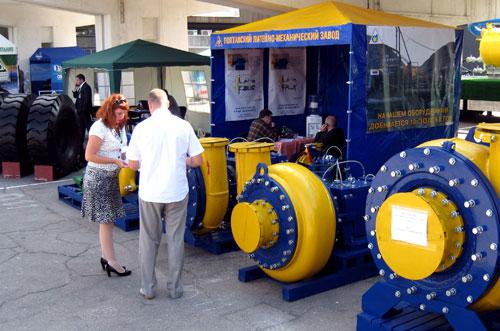 Особо крупные экспонаты не вместились на крытой площади ЭкспоДонбасса