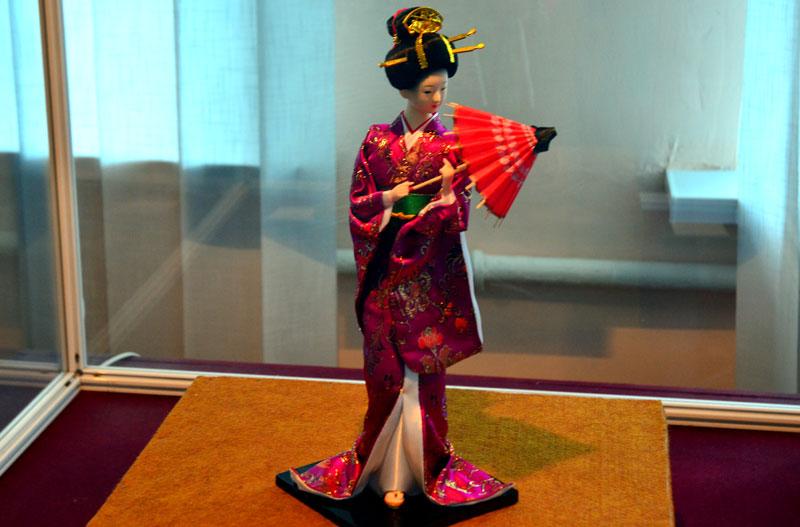 Фигурка классической гейши