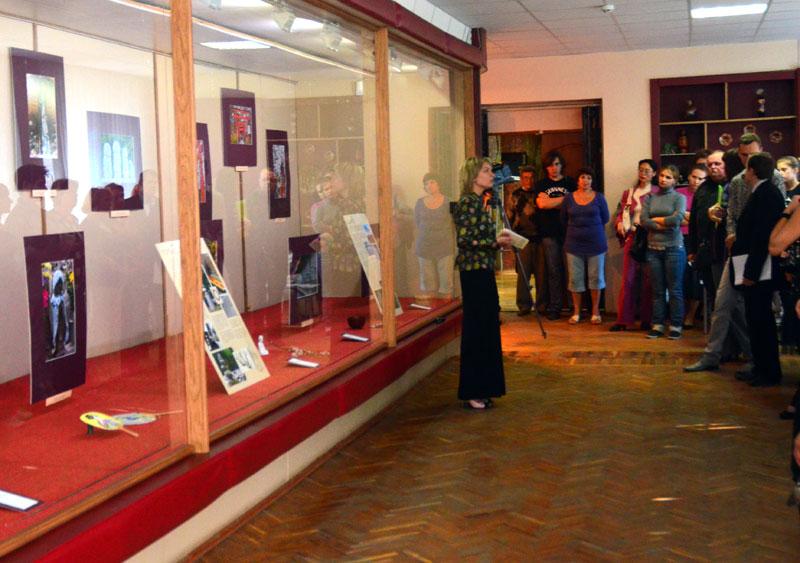 На открытие выставки пришло большое количество поклонников восточной культуры