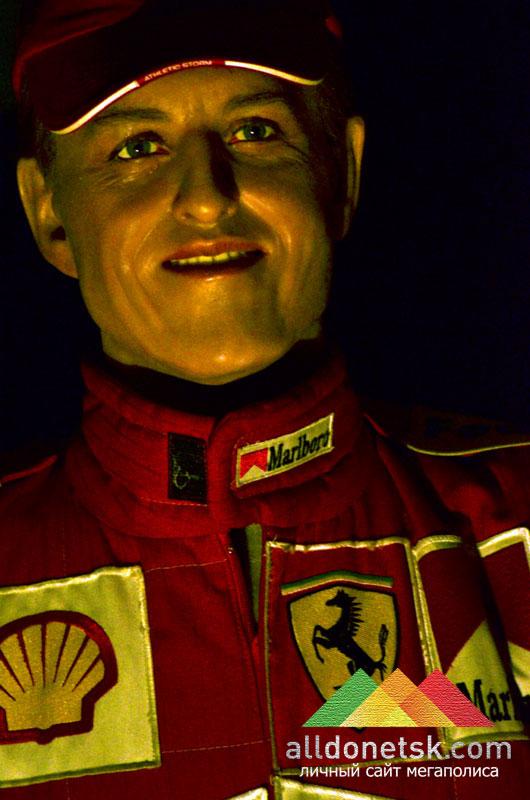 Михаэль Шумахер. Семикратный чемпион мира, обладатель многочисленных рекордов  Formula-1, один из самых успешных пилотов