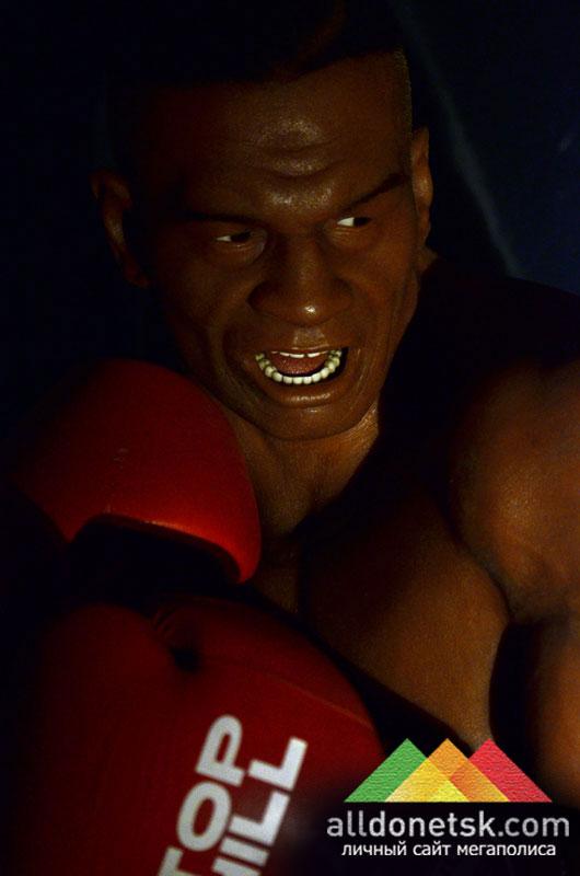 Майк Тайсон. Американский боксёр-профессионал, абсолютный чемпион мира в тяжёлой весовой категории по версиям WBC, WBA и IBF