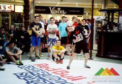 В Донецке состоялся баттл между лучшими футбольными фристайлерами